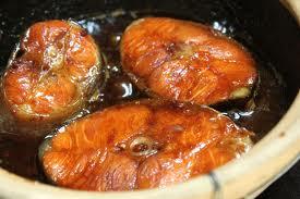 Cá hồi kho tộ béo ngậy thơm ngon