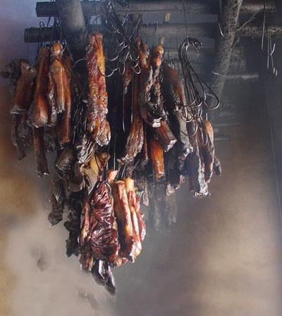 Thịt trâu gác bếp- ẩm thực hấp dẫn Mai Châu
