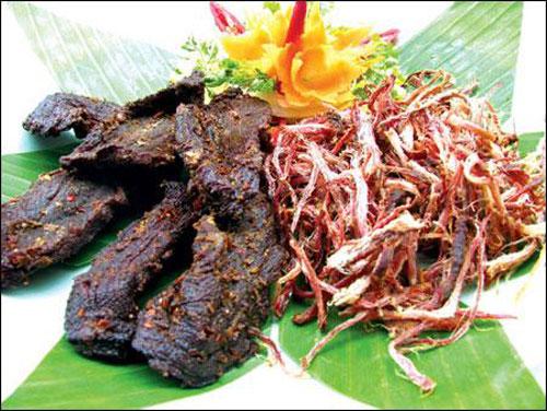 Hương vị hấp dẫn thịt trâu gác bếp ở thung lũng Mai Châu