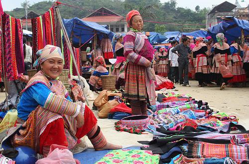 Không khí chợ phiên Mèo Vạc ở Hà Giang