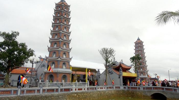 Chùa Hoằng Phúc - khu du lịch tâm linh nổi tiếng Quảng Bình